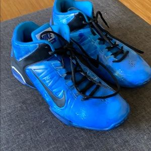 Size 9.5 Nike tennis shoes in Galaxy blue
